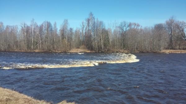 Река Мста сплавы на байдарках. Порог 5. Порог Лестница.